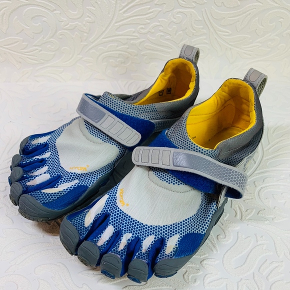 7d301d1907 Vibram Five Finger shoes M 349 Blue Size 42. M 5c745c372beb79427dda1e86
